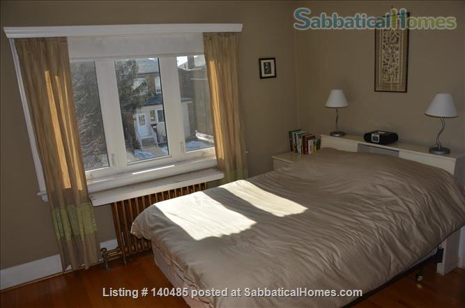 Warm, 3BR/2Bath furnished home w/ finished basement in a walkable neighbourhood Home Rental in Toronto, Ontario, Canada 5