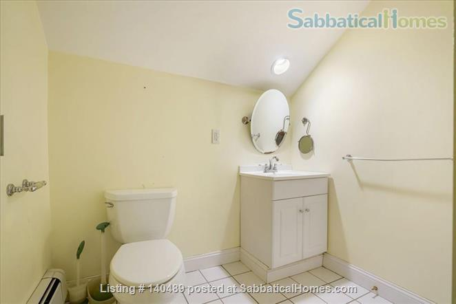 Beautiful duplex, centrally located, 3 bedrooms,  2 bathrooms (1 master)! Home Rental in Cambridge, Massachusetts, United States 4