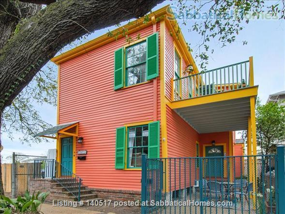 2 bed/1 bath newly renovated unit near it all - St. Charles, Magazine Street! Home Rental in New Orleans 0