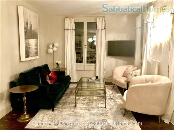 Beautiful 3 bedroom, 2 bath with exceptional views in the 7th Home Rental in Paris, Île-de-France, France 2