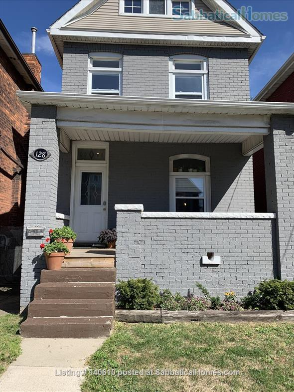Bright, tidy one-bed room apartment in Hamilton ON  Home Exchange in Hamilton, Ontario, Canada 9