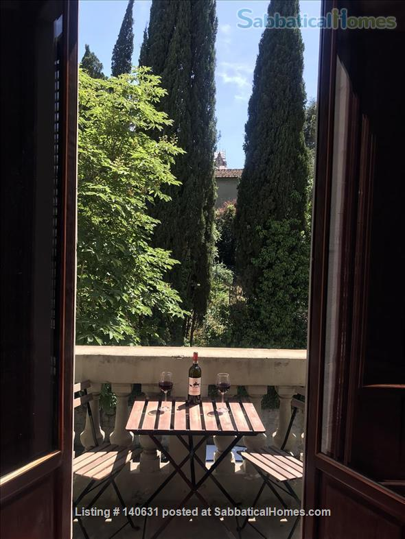Castelli Gardens - Quiet, Luminous, Spacious, Elegant Apt in the select Poggio Imperiale district in Oltrarno Florence. Beautiful location, historic prestigious building, stone balcony, garden Home Rental in Florence, Toscana, Italy 4