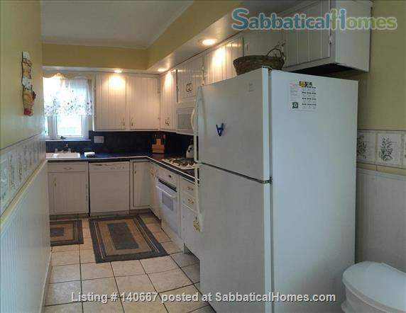 Charming & Comfy House Close to Notre Dame Home Rental in South Bend, Indiana, United States 9