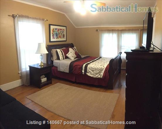 Charming & Comfy House Close to Notre Dame Home Rental in South Bend, Indiana, United States 2