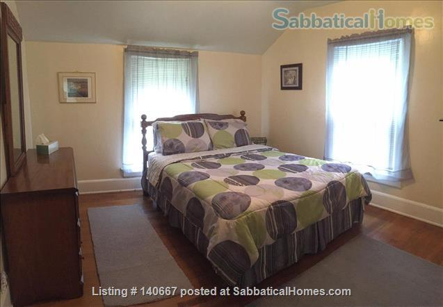 Charming & Comfy House Close to Notre Dame Home Rental in South Bend, Indiana, United States 3