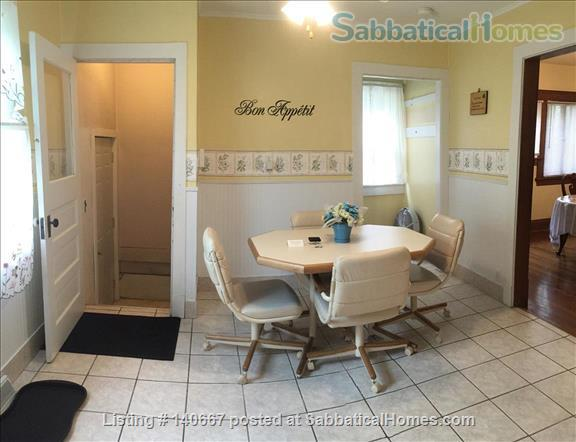Charming & Comfy House Close to Notre Dame Home Rental in South Bend, Indiana, United States 8
