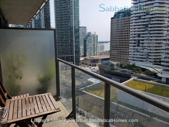 Downtown 2 Bedroom+ Den, 2 Bathroom Suite next to Union subway and Harbour Home Rental in Toronto, Ontario, Canada 8