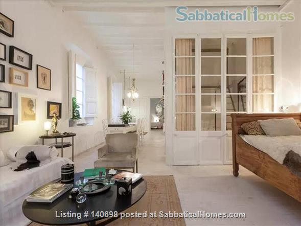 Apartment de Charme in the heart of Barcelona (at discounted price) Home Rental in Barcelona, CT, Spain 4