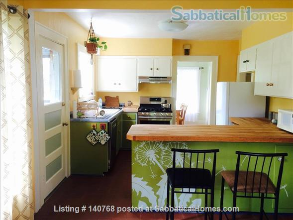 Craftsman house with garden four blocks from campus Home Rental in Eugene, Oregon, United States 2