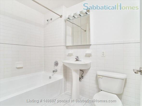 Sunny top floor 2BR in Harlem Home Rental in New York, New York, United States 3