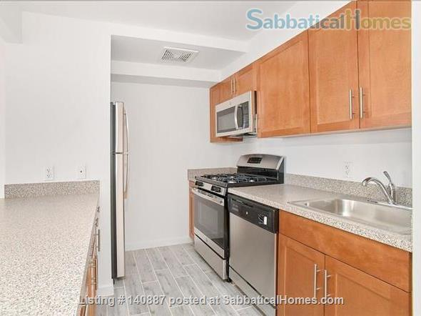 Sunny top floor 2BR in Harlem Home Rental in New York, New York, United States 4