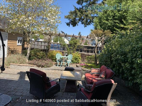 Luxurious Ground Floor Suite - walk to ocean, park, village Home Exchange in Victoria, British Columbia, Canada 9