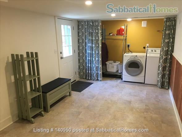 Clean Comfortable 2 BR Apartment in Quiet Northeast Portland Neighborhood Home Rental in Portland, Oregon, United States 7