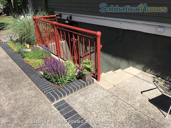 Clean Comfortable 2 BR Apartment in Quiet Northeast Portland Neighborhood Home Rental in Portland, Oregon, United States 8