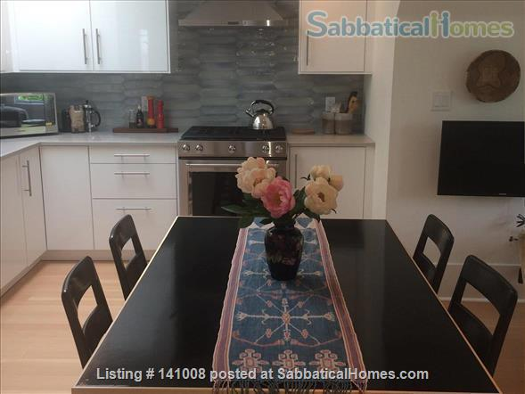 Contemporary, spacious, bright, quiet apartment in lively Commercial Dr Neighbourhood Home Rental in Vancouver, British Columbia, Canada 5