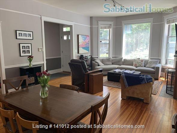 Gorgeous greystone duplex in a wonderful neighborhood one block from a great public school  Home Rental in Chicago, Illinois, United States 1