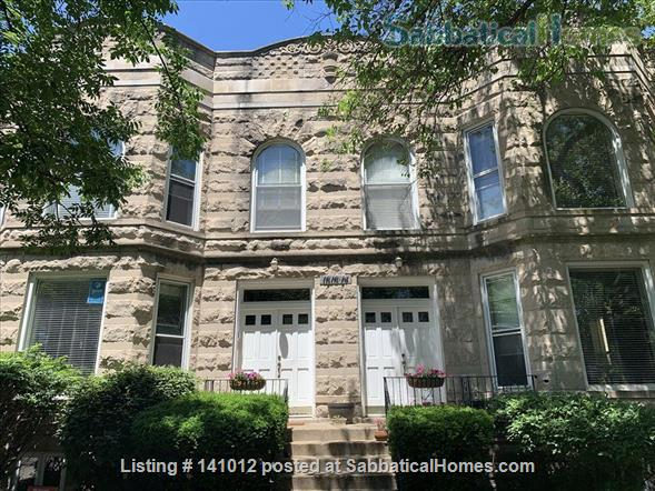 Gorgeous greystone duplex in a wonderful neighborhood one block from a great public school  Home Rental in Chicago, Illinois, United States 0