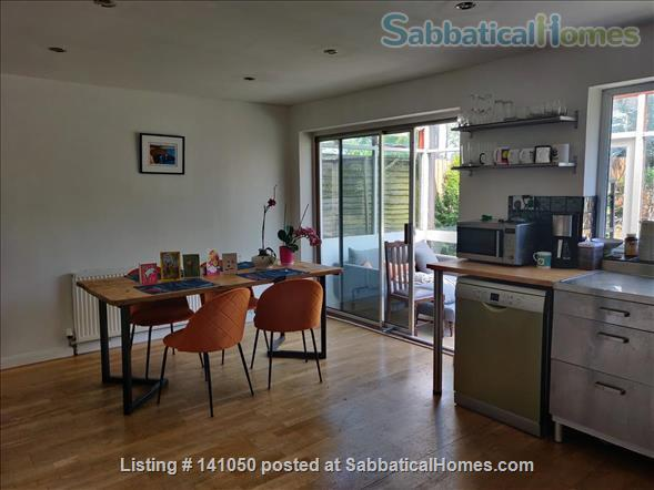 Bright, Plant-Filled 4 Bedroom Near the Coast Home Rental in Wivenhoe, England, United Kingdom 2