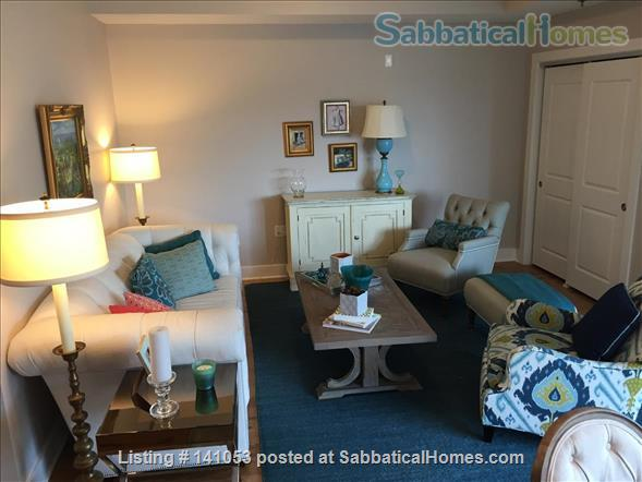 Lovely 2-bedroom, 2 bath Condo in the heart of Chapel Hill Home Rental in Chapel Hill, North Carolina, United States 2