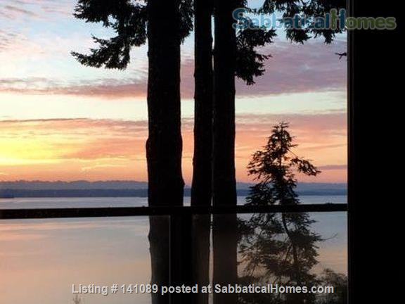 Puget Sound beach front home Home Rental in Suquamish, Washington, United States 2