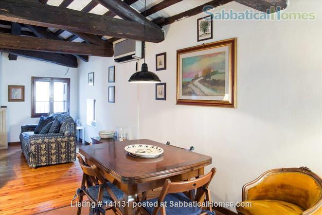 Apt in the very center of Padova Home Rental in Padova 2