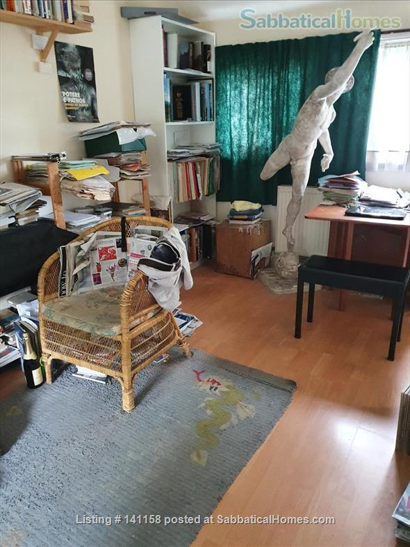 """Single studio in leafy Strawberry Hill on """"Arcadian Thames"""" Home Rental in Strawberry Hill, England, United Kingdom 1"""