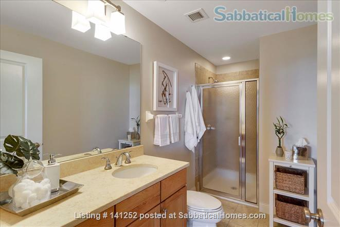 Furnished 2+Den with Skyline views in Downtown Minneapolis  Home Rental in Minneapolis, Minnesota, United States 8