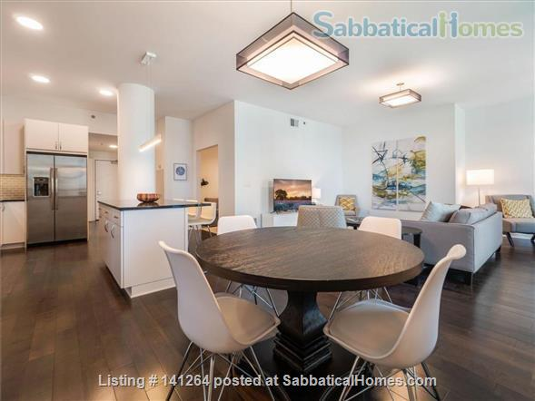 2BR+Den Condo with amazing finishes and view close to U of M: West Bank Home Rental in Minneapolis, Minnesota, United States 2