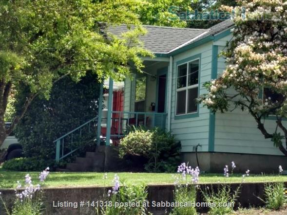 Cozy Vintage Friendly Neighborhood Home Home Rental in Eugene, Oregon, United States 1