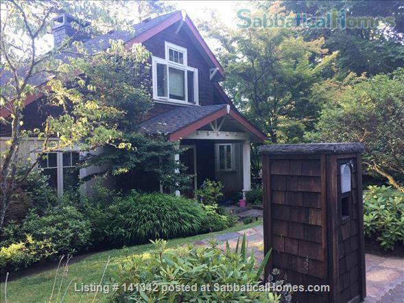 Elegant 3 level home in wooded garden setting 1.5 mi. from U of O Home Rental in Eugene, Oregon, United States 1