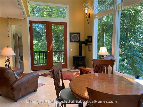 Elegant 3 level home in wooded garden setting 1.5 mi. from U of O Home Rental in Eugene, Oregon, United States 5