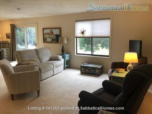 Concord: Furnished 1 bedroom condo - walk to commuter rail, shops, restaurants Home Rental in Concord, Massachusetts, United States 1