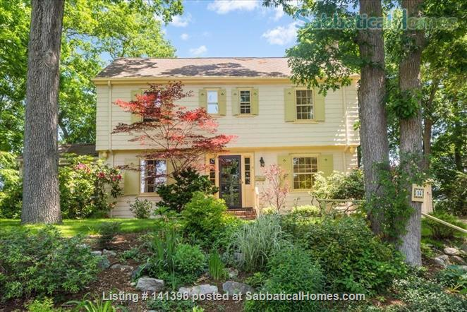Beautiful furnished 4 bedroom home for rent in Newton (Waban) Home Rental in Newton, Massachusetts, United States 0