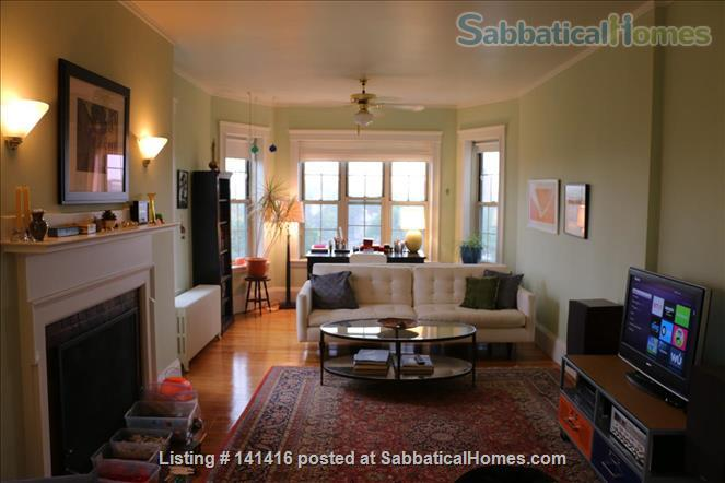 Large, cheerful, light-filled & charming 2-bedroom apartment (Harvard Square) Home Rental in Cambridge, Massachusetts, United States 0