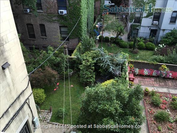Quiet room available in a Sugar Hill family brownstone Home Rental in New York, New York, United States 6