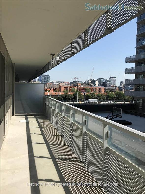 Brand-new waterfront apartment at Sugar Beach, the heart of downtown Toronto! Modern 2-bedroom 2-bathroom Condo Home Rental in Toronto, Ontario, Canada 0