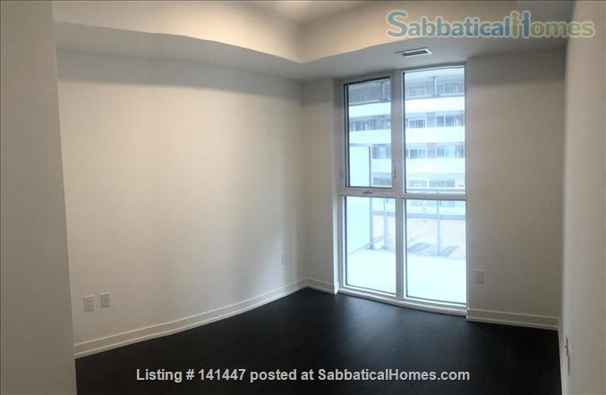 Brand-new waterfront apartment at Sugar Beach, the heart of downtown Toronto! Modern 2-bedroom 2-bathroom Condo Home Rental in Toronto, Ontario, Canada 8