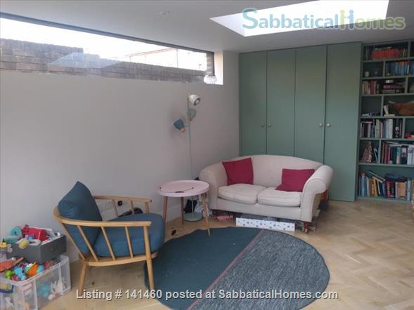 Modern  spacious 3 bedroom home in London Home Rental in Dulwich, England, United Kingdom 0