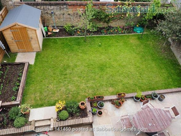 Modern  spacious 3 bedroom home in London Home Rental in Dulwich, England, United Kingdom 3