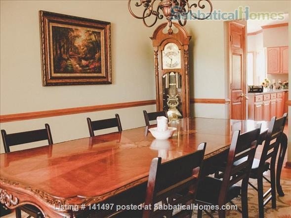 Beautiful 3 BD/3 BA North Garden home near Pippin Hill and UVA Home Rental in North Garden, Virginia, United States 0