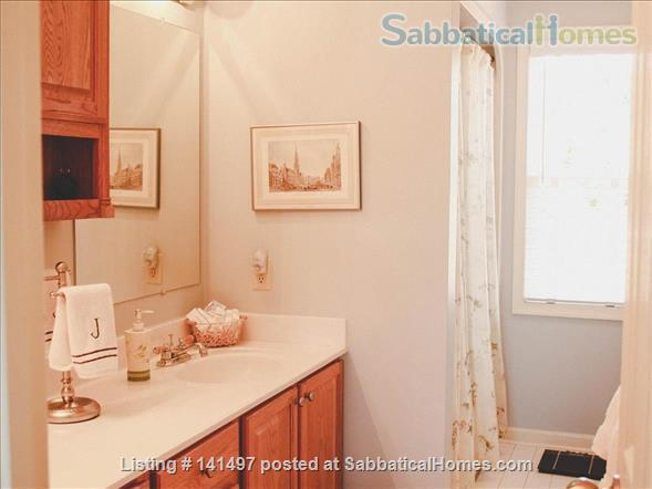 Beautiful 3 BD/3 BA North Garden home near Pippin Hill and UVA Home Rental in North Garden, Virginia, United States 3