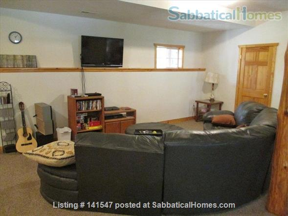 Beautiful Log River Home  20 minute commute to Madison   Home Rental in Poynette, Wisconsin, United States 9