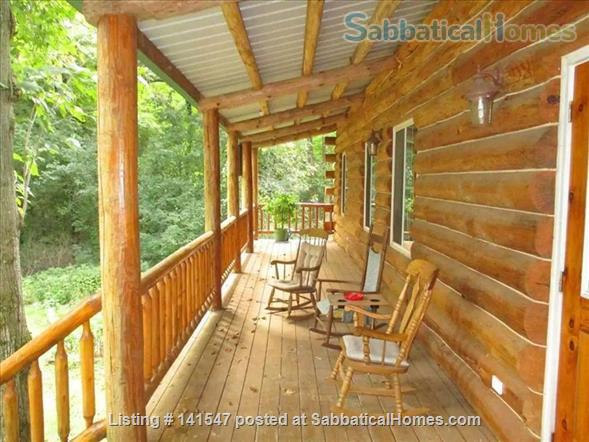 Beautiful Log River Home  20 minute commute to Madison   Home Rental in Poynette, Wisconsin, United States 2
