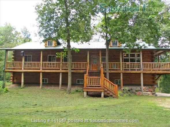 Beautiful Log River Home  20 minute commute to Madison   Home Rental in Poynette, Wisconsin, United States 3