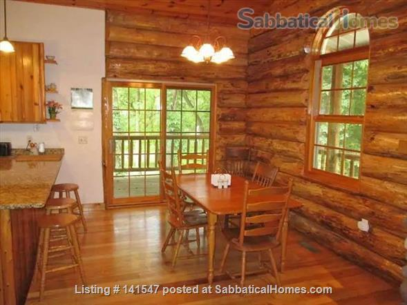 Beautiful Log River Home  20 minute commute to Madison   Home Rental in Poynette, Wisconsin, United States 6