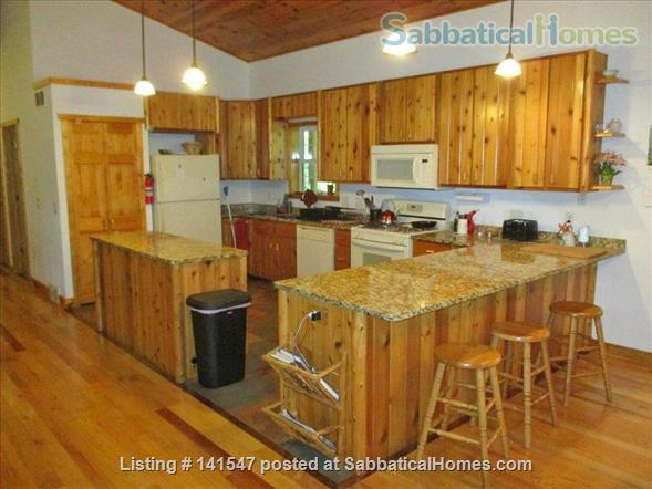 Beautiful Log River Home  20 minute commute to Madison   Home Rental in Poynette, Wisconsin, United States 7