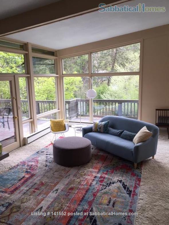 Bright and Stylish, one mile from the University of Oregon Home Exchange in Eugene, Oregon, United States 1
