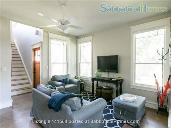 Hyde Park Craftsman Guest House Home Rental in Austin, Texas, United States 1