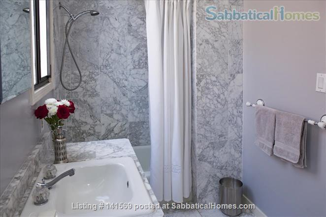 Gorgeous 2 Bedroom/2 Bath in the heart of Cole Valley, San Francisco Home Rental in San Francisco, California, United States 8