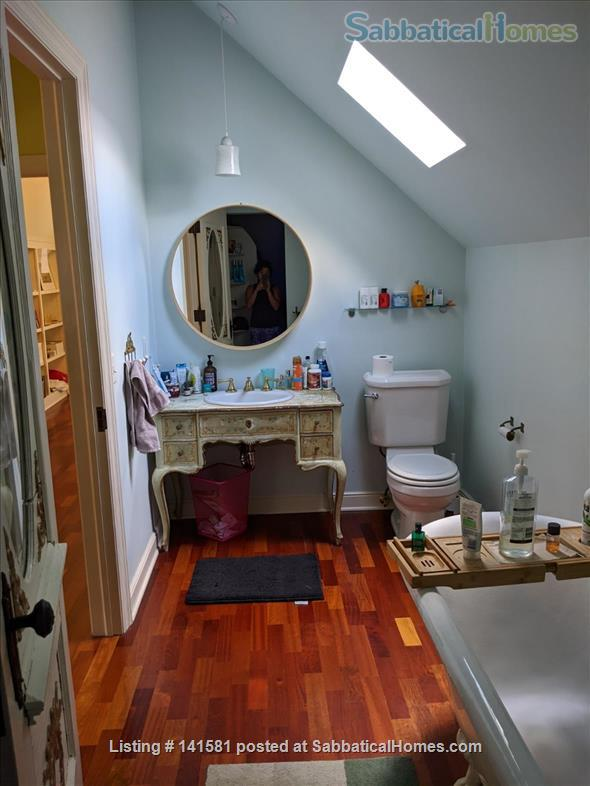 Idyllic Garden Getaway Home Rental in Minneapolis, Minnesota, United States 6